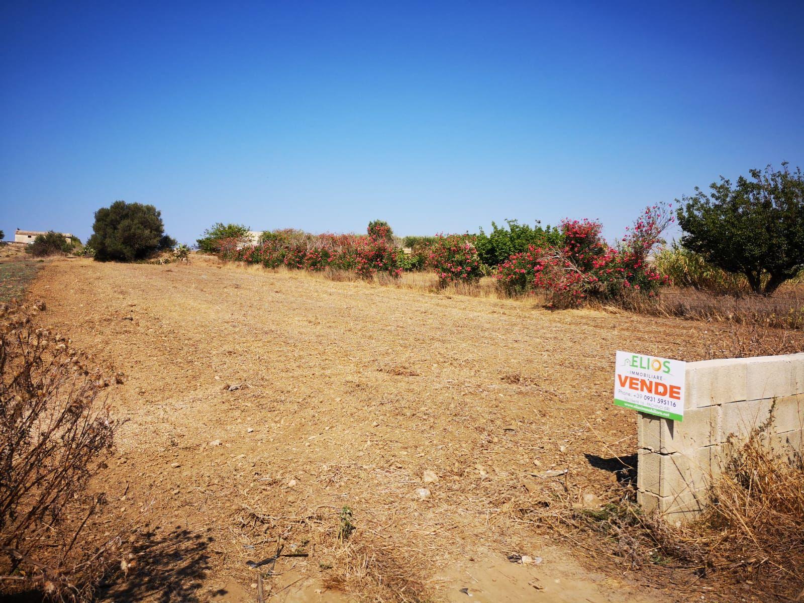 Terreno agricolo  3 tumuli  ...