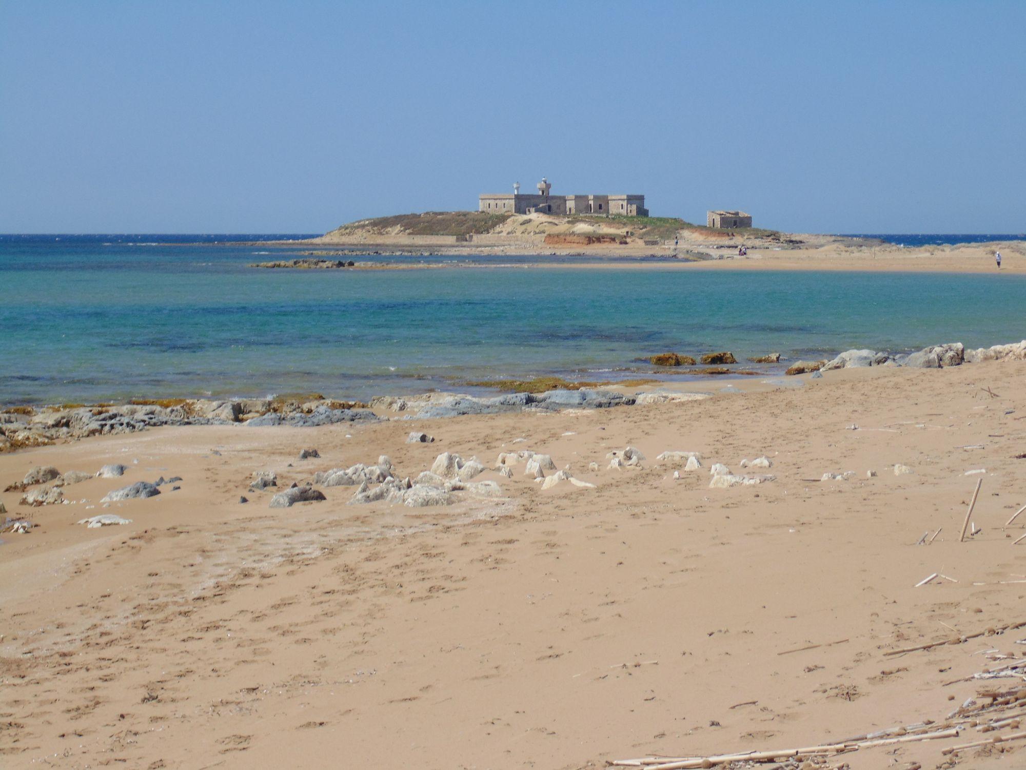 Terreno fronte mare con splendida vista sull