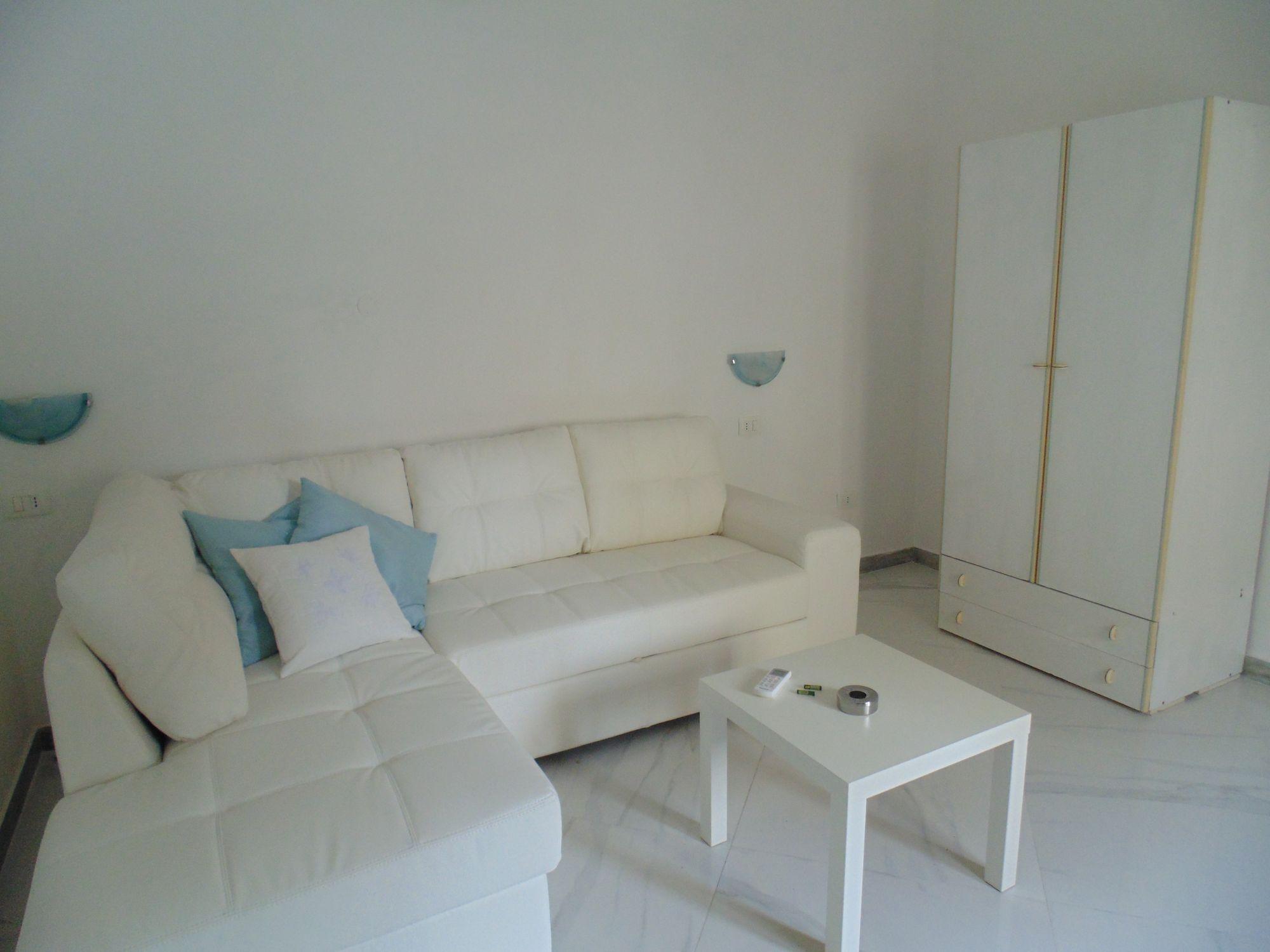 Appartamento nei pressi del centro storico di Pachino in affitto per il periodo estivo, composto da: 2 posti letto, un